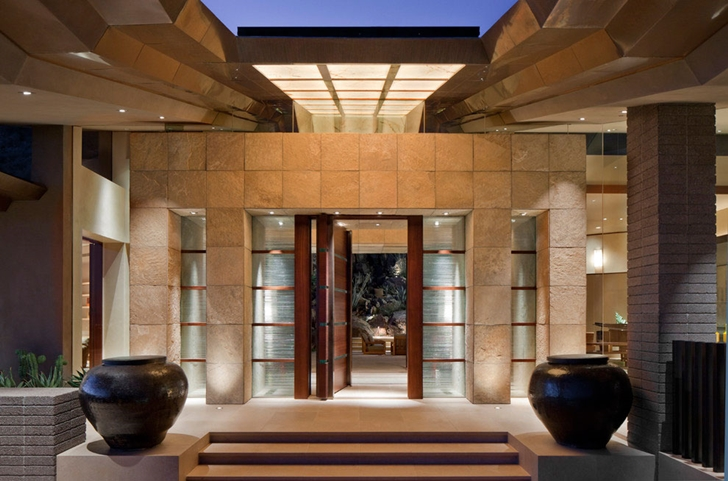 Entrance to Dream home in the desert, Paradise Valley