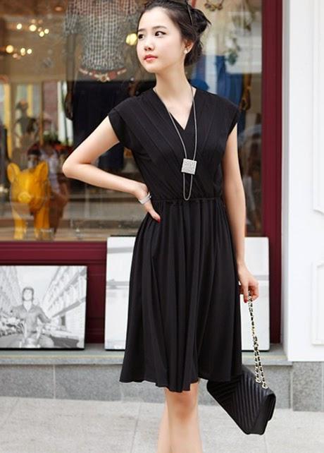 Vestido Informal Cuello V, Manga Corta y Drapeado Diagonal