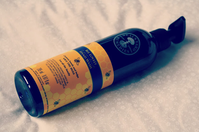 Neals-Yard-Remedies-Bee-Lovely-Hand-Wash-review-blog-post