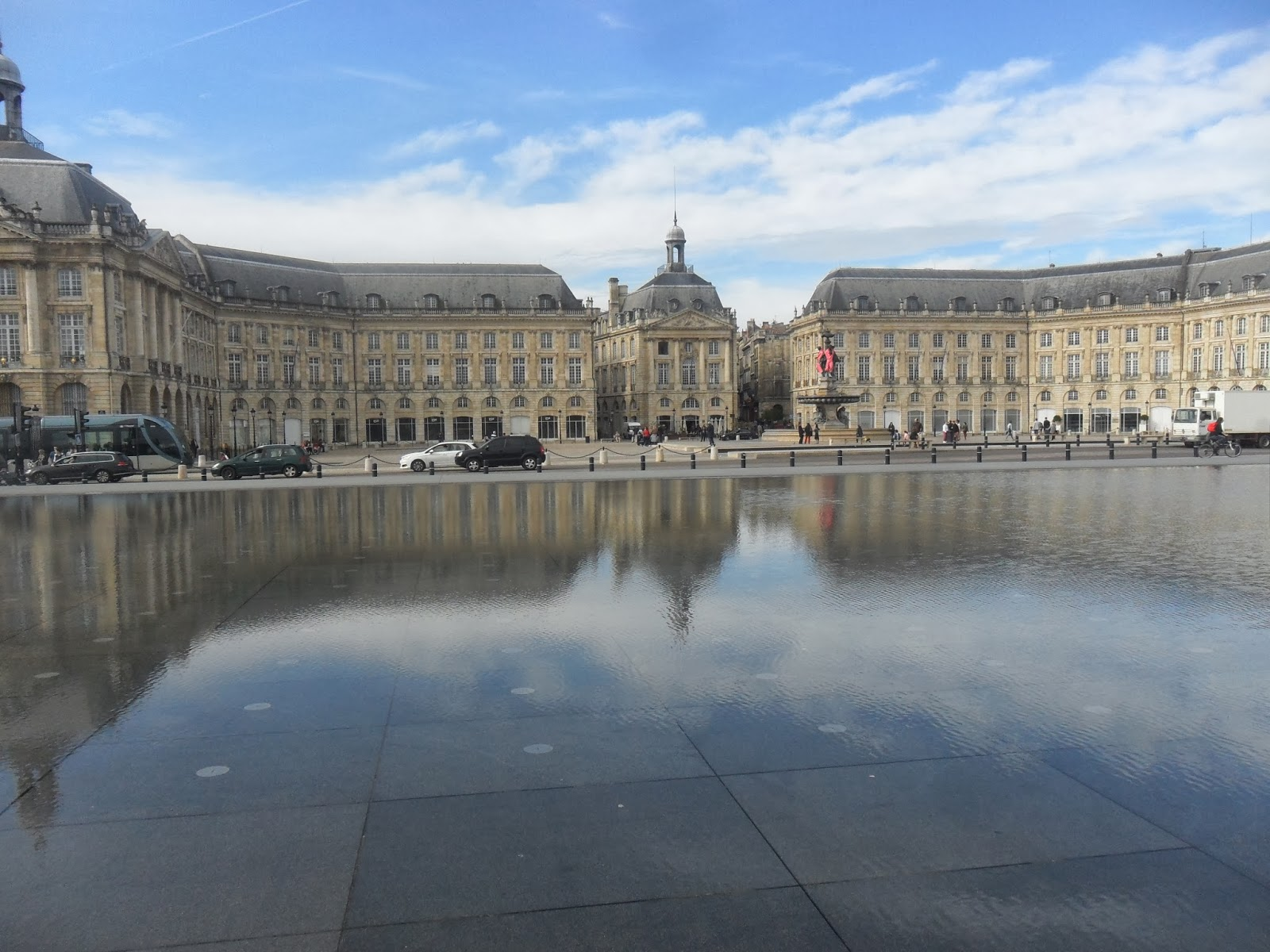 what to see in bordeaux an itinerary already made for 2. Black Bedroom Furniture Sets. Home Design Ideas