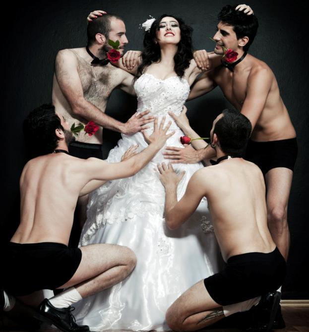 Chuyện lạ: Một vợ nhiều chồng