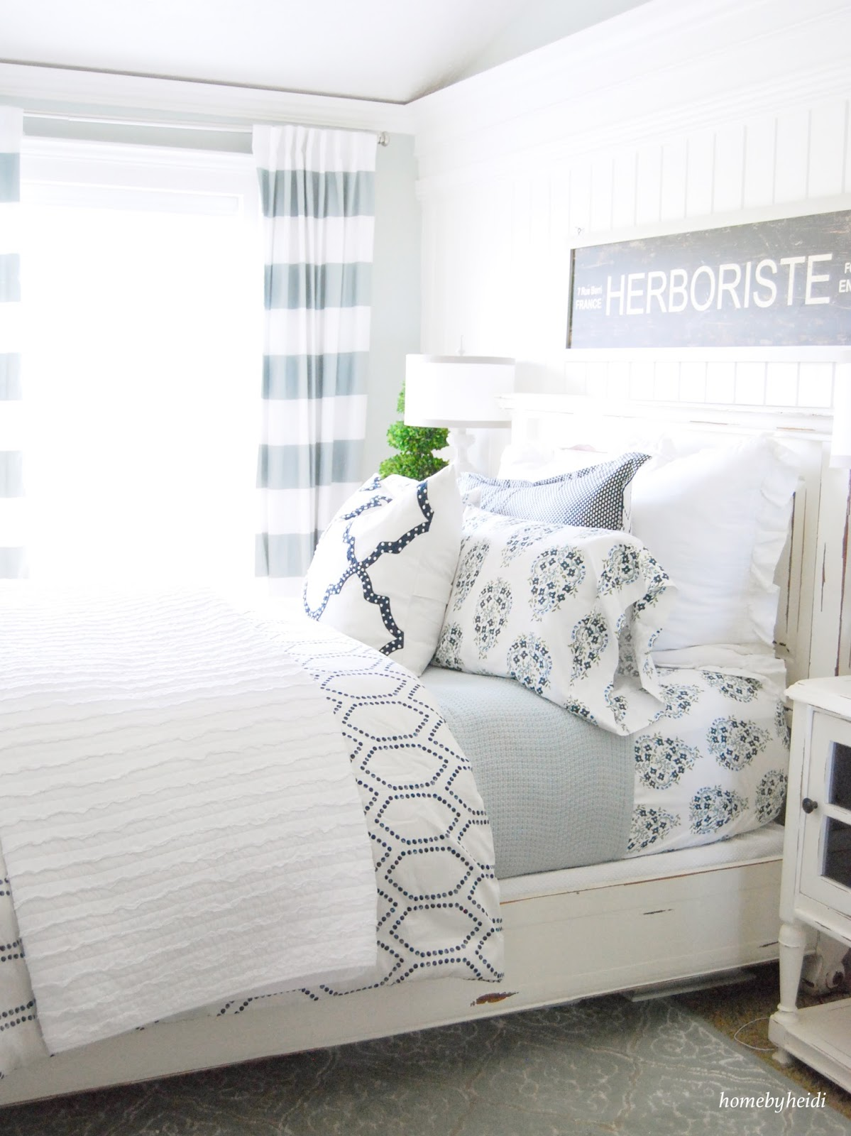 Amazing Navy Blue Bedroom Makeover
