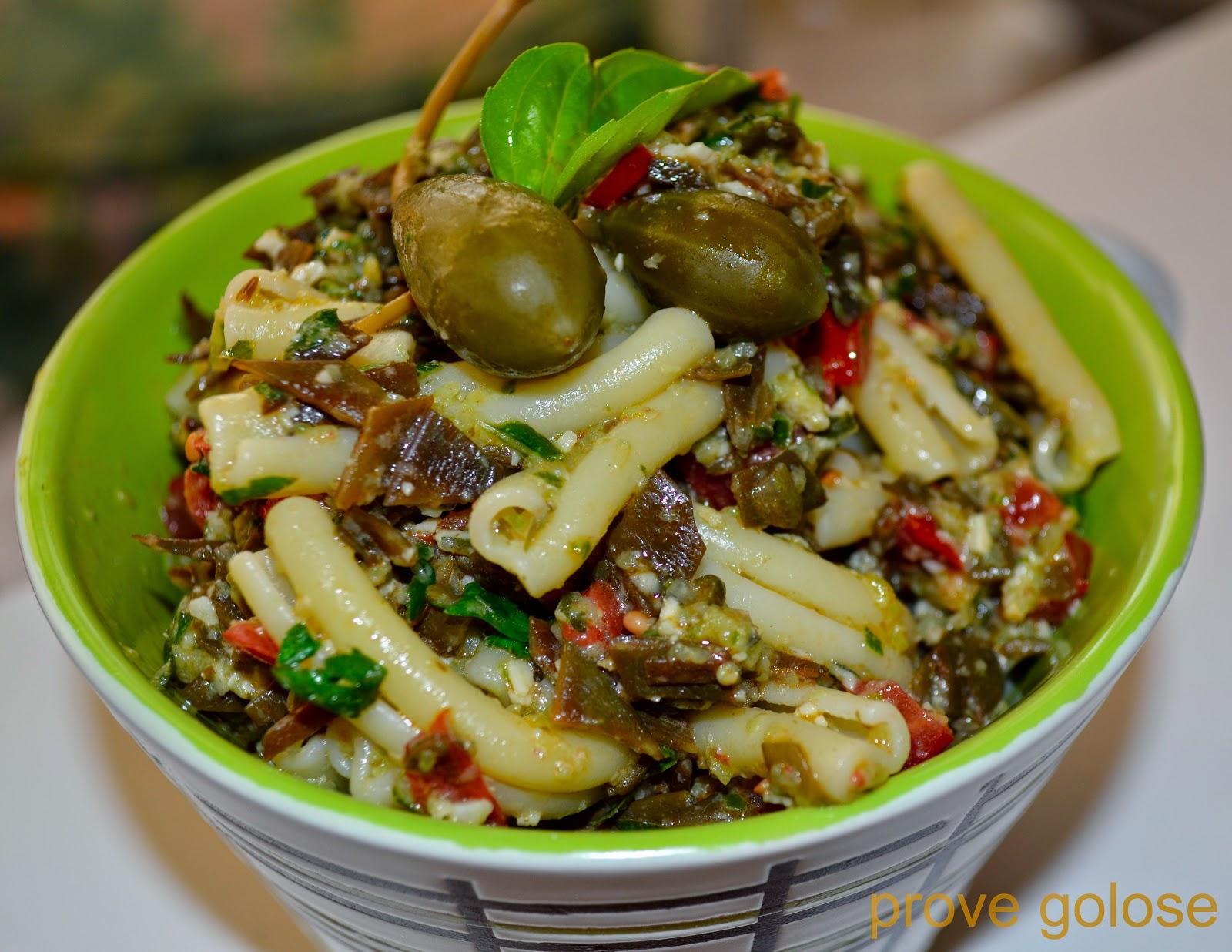 pasta al pesto di cetrioli al sapore di mare