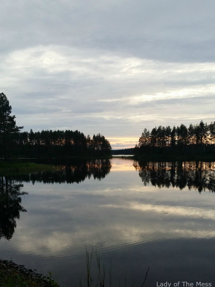 auringonlasku, järvimaisema Pohjois-Karjalassa
