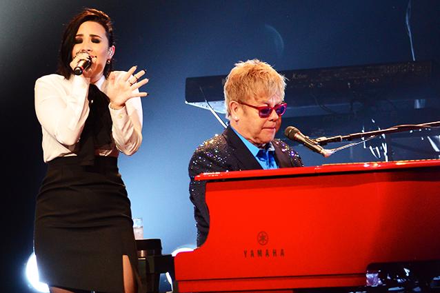 "Elton John califica de ""desafortunado"" el dueto con Demi Lovato"