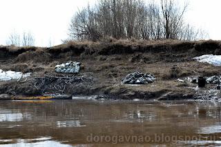Разлив нефти на реке Колва. 2013 год.