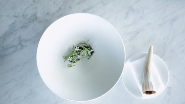Cebollas biodinámicos con manzanilla y queso derretido de heno