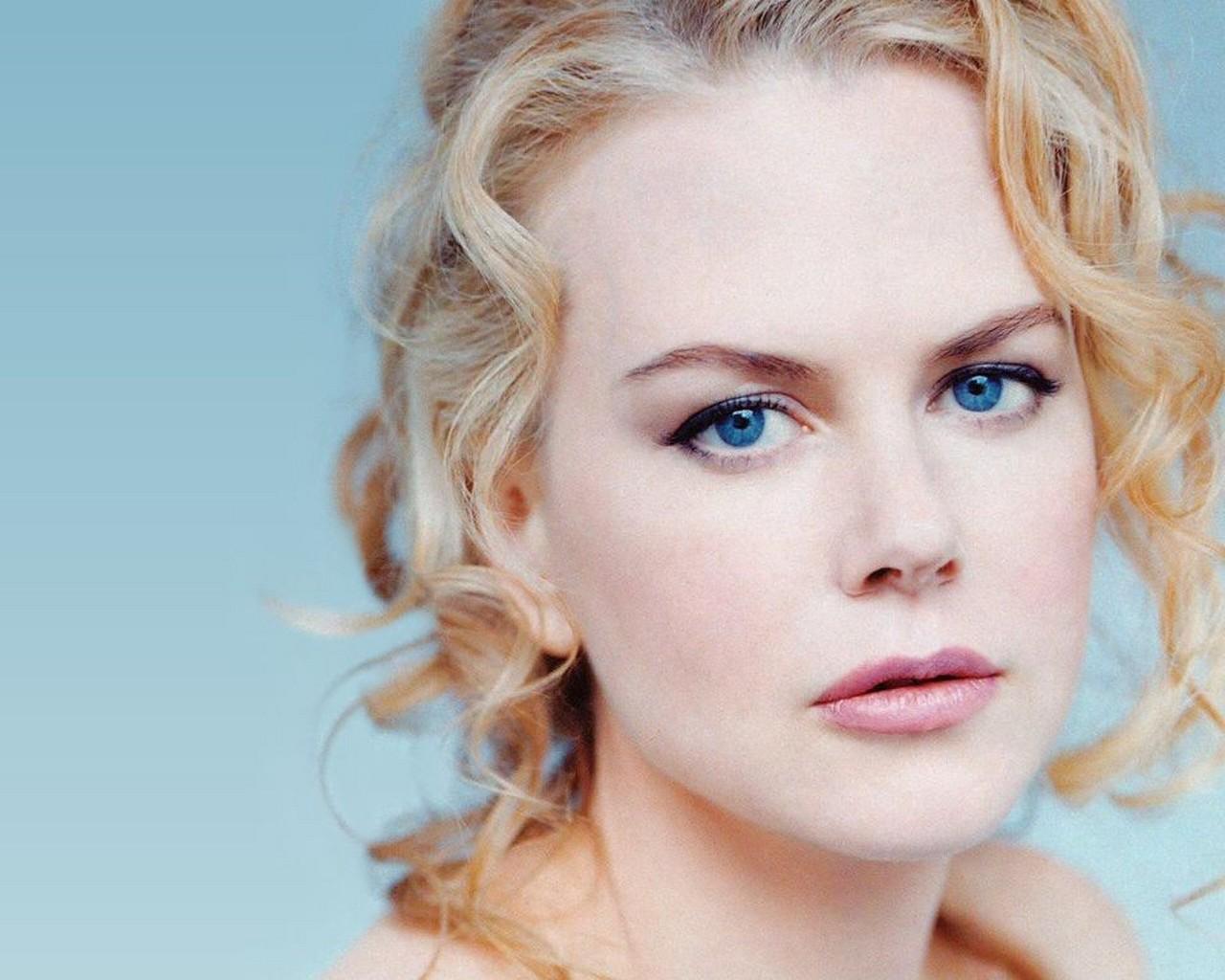 http://4.bp.blogspot.com/-vi8C8QDr3TQ/UId1pXcv3wI/AAAAAAAAAEc/h6FJoQYhQiY/s1600/Nicole_Kidman.jpg