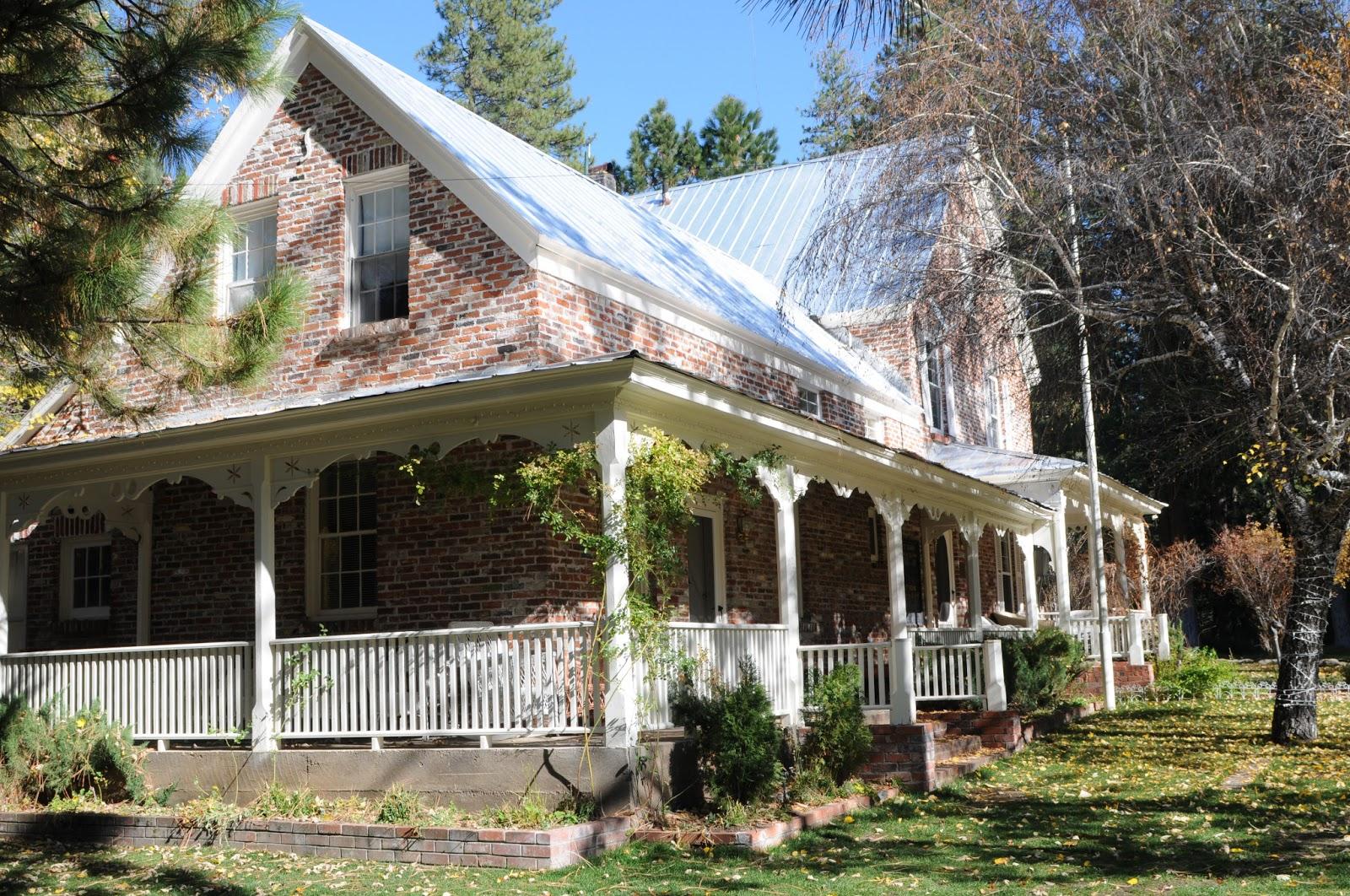 The Victorian House Reno Twenty Mile House A Beautiful Historic All Inclusive Wedding Venue