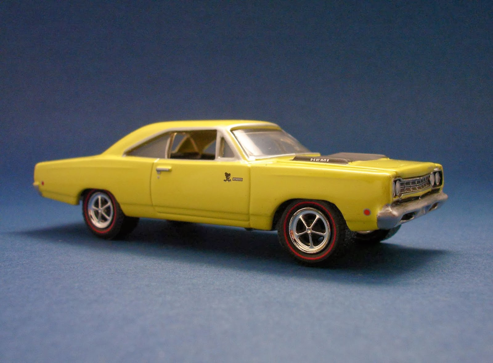 diecast hobbist 1968 plymouth road runner. Black Bedroom Furniture Sets. Home Design Ideas