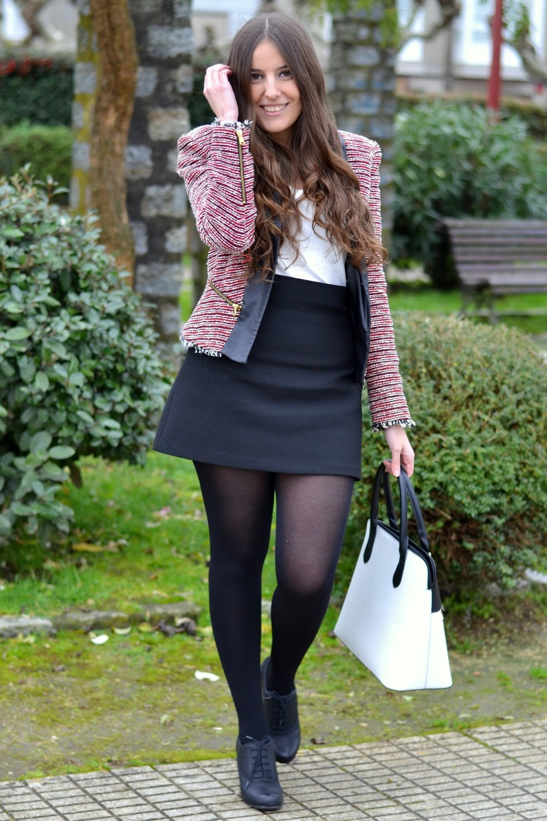 outfits black and red jacket