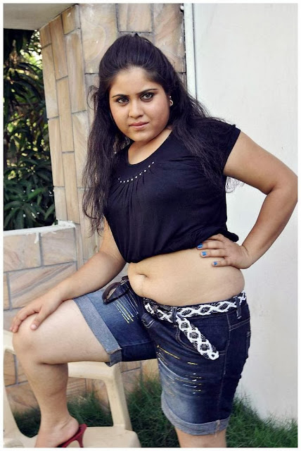 Actress Jyothsna Navel Show Photos