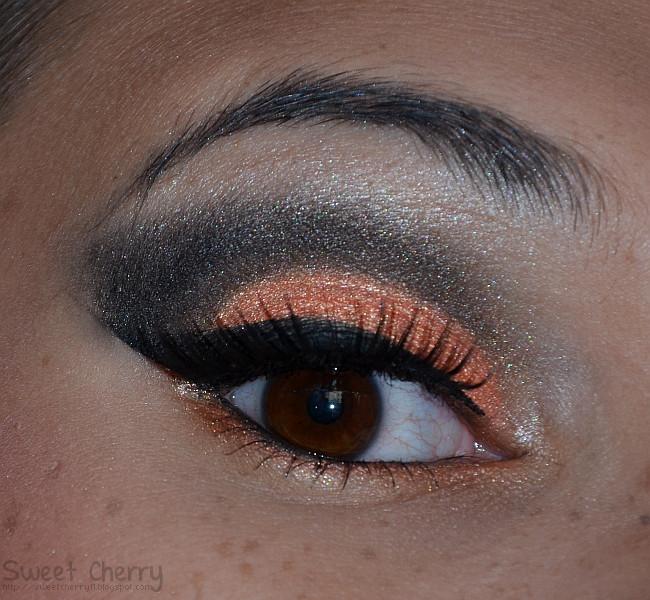 Aktion sultry thursday orange smokey eye sweet for Smokey eyes blau
