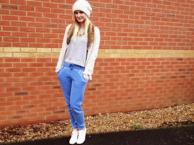 FashionFake, fashion blog, style blog, Gwynedds, casual style, casual outfit ideas, warm outfit idea, winter style
