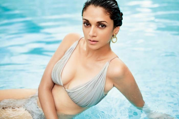 Bollywood Actress Hot Latest Bikini Photos 2014