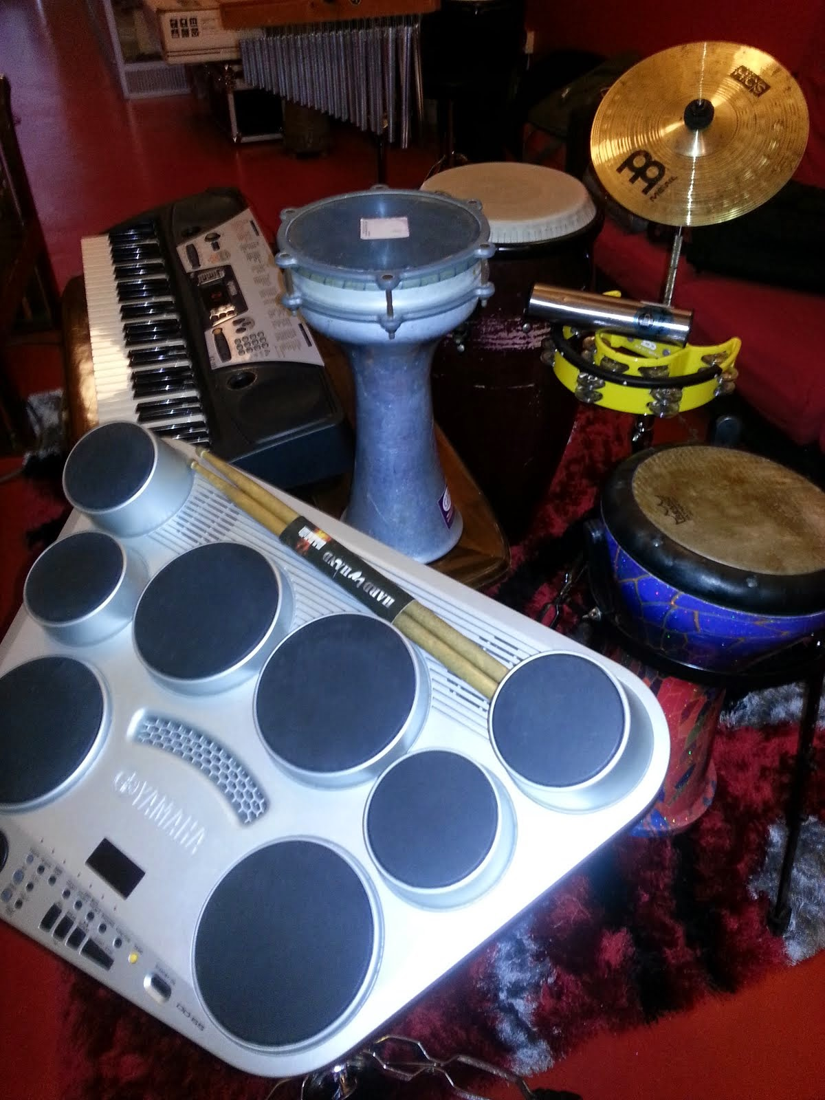 YAMAHA DIGITAL DRUM/MUSIC