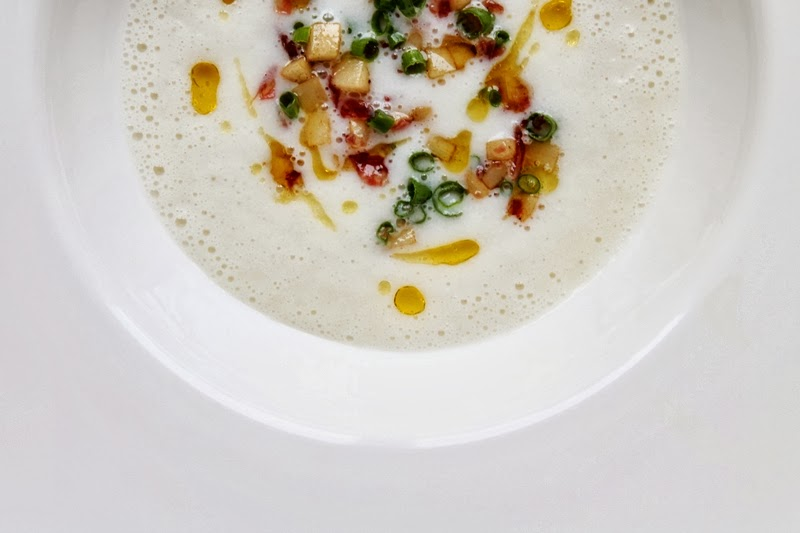 Delicious Tapas: Jerusalem artichoke soup with parsnips & salami #118