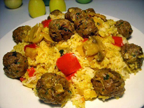Recette du riz aux boulettes de viande hachée et aux champignons