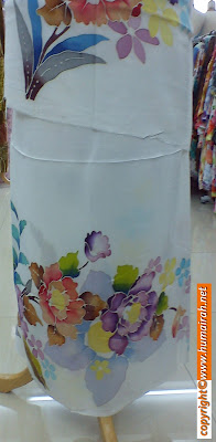 EXCLUSIVE WHITE EDITION - BATIK SUTERA