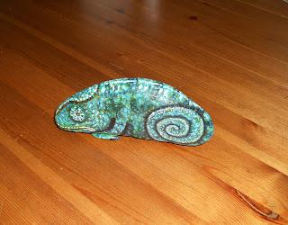 Piedras pintadas - Camaleón de camuflaje