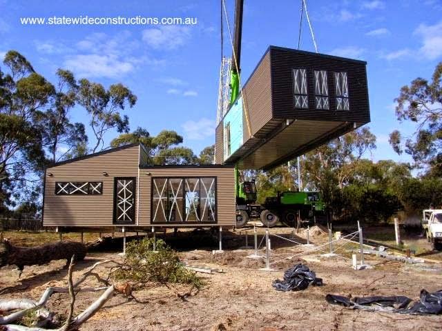 Construcción en el sitio con módulos de vivienda