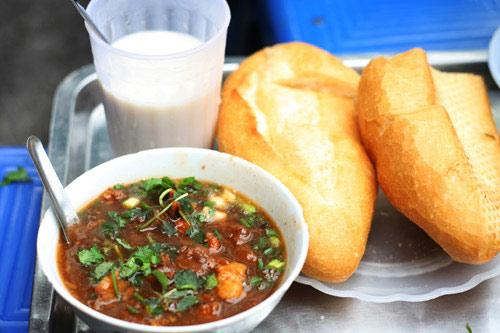 Bánh mì sốt vang 252 Hàng Bông