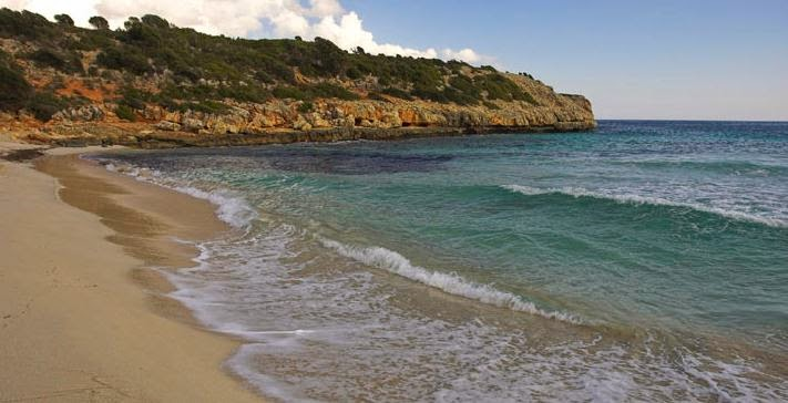 Cala Varques nudist-friendly beach in Mallorca
