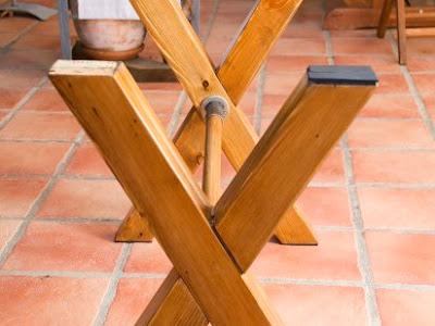 Manualidades y artesan as para decorar c mo hacer una - Construir una mesa de madera ...