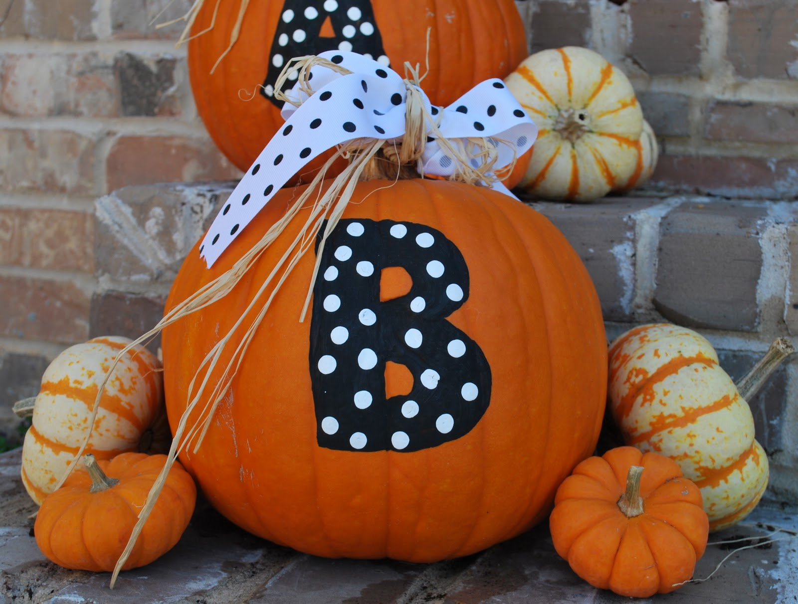 Halloween painted pumpkins amanda jane brown - Deco citrouille pour halloween ...