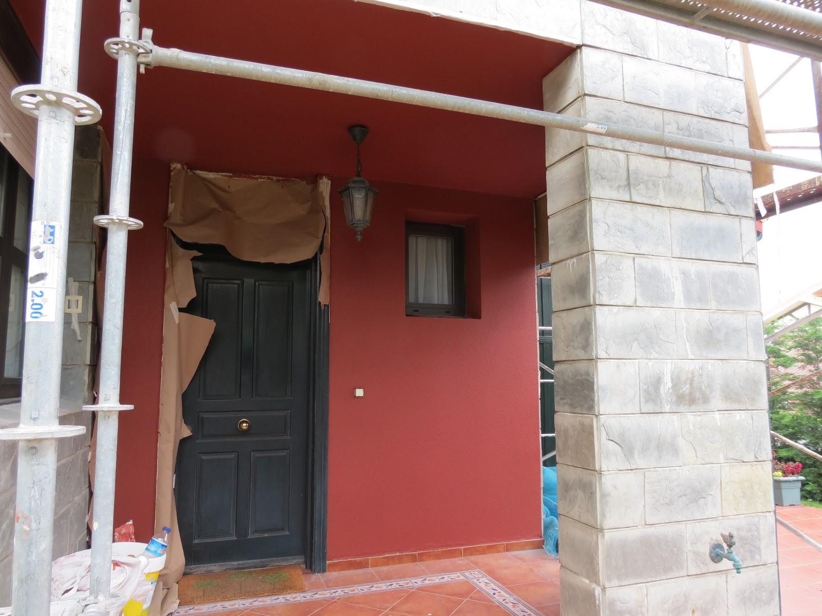 Pintura y decoraci n pintura en exterior fachada en chalet - Pintura exterior colores ...
