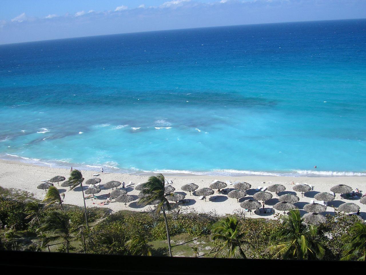 http://4.bp.blogspot.com/-vklCAC86fR0/TgDkLZ0GtLI/AAAAAAAAAiQ/iJ_PvRNfCk8/s1600/varadero+beach+%25285%2529.jpg