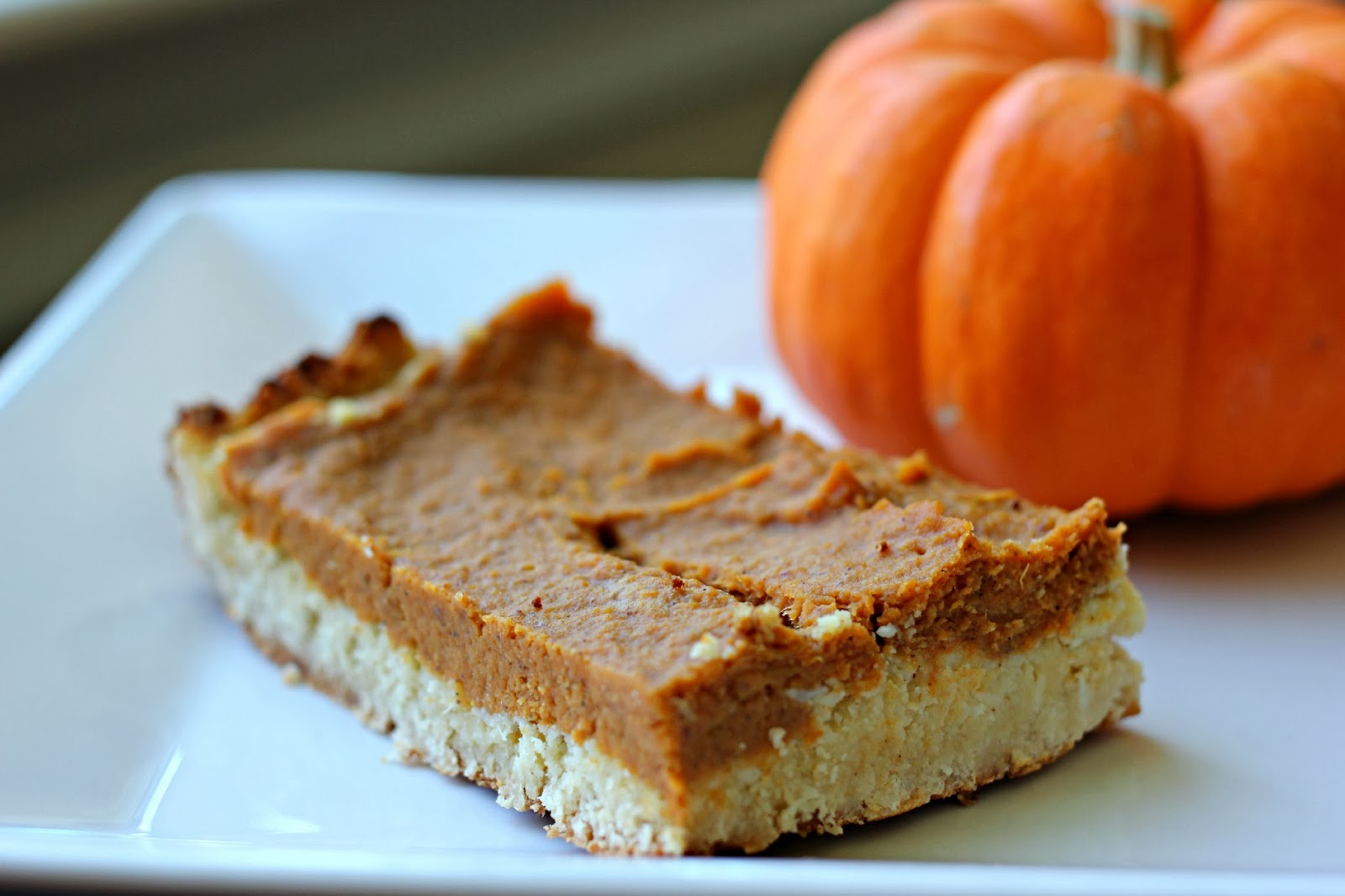 Paleo Pumpkin Pie Bars - ms. taylor elyse