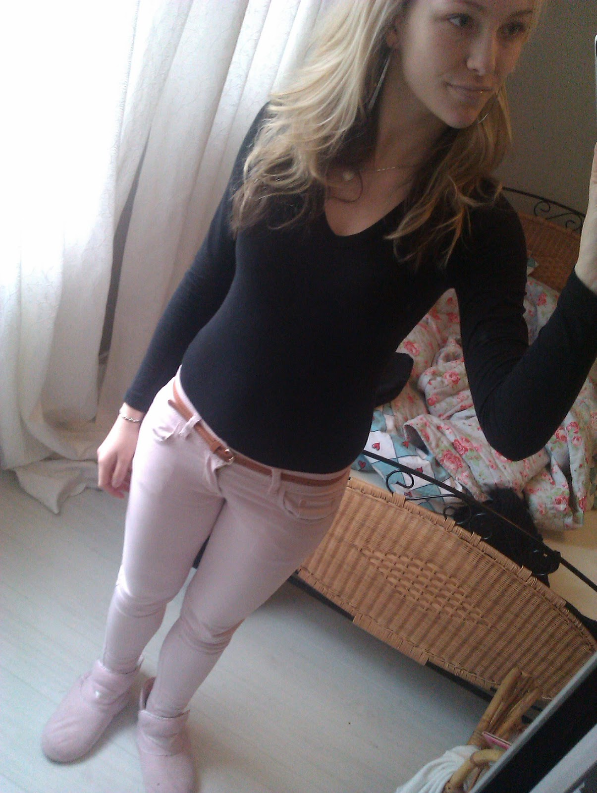 hot blonde jeans