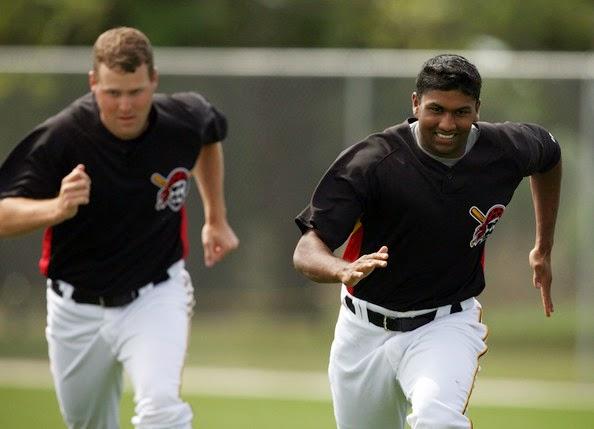 baseball-players-practice