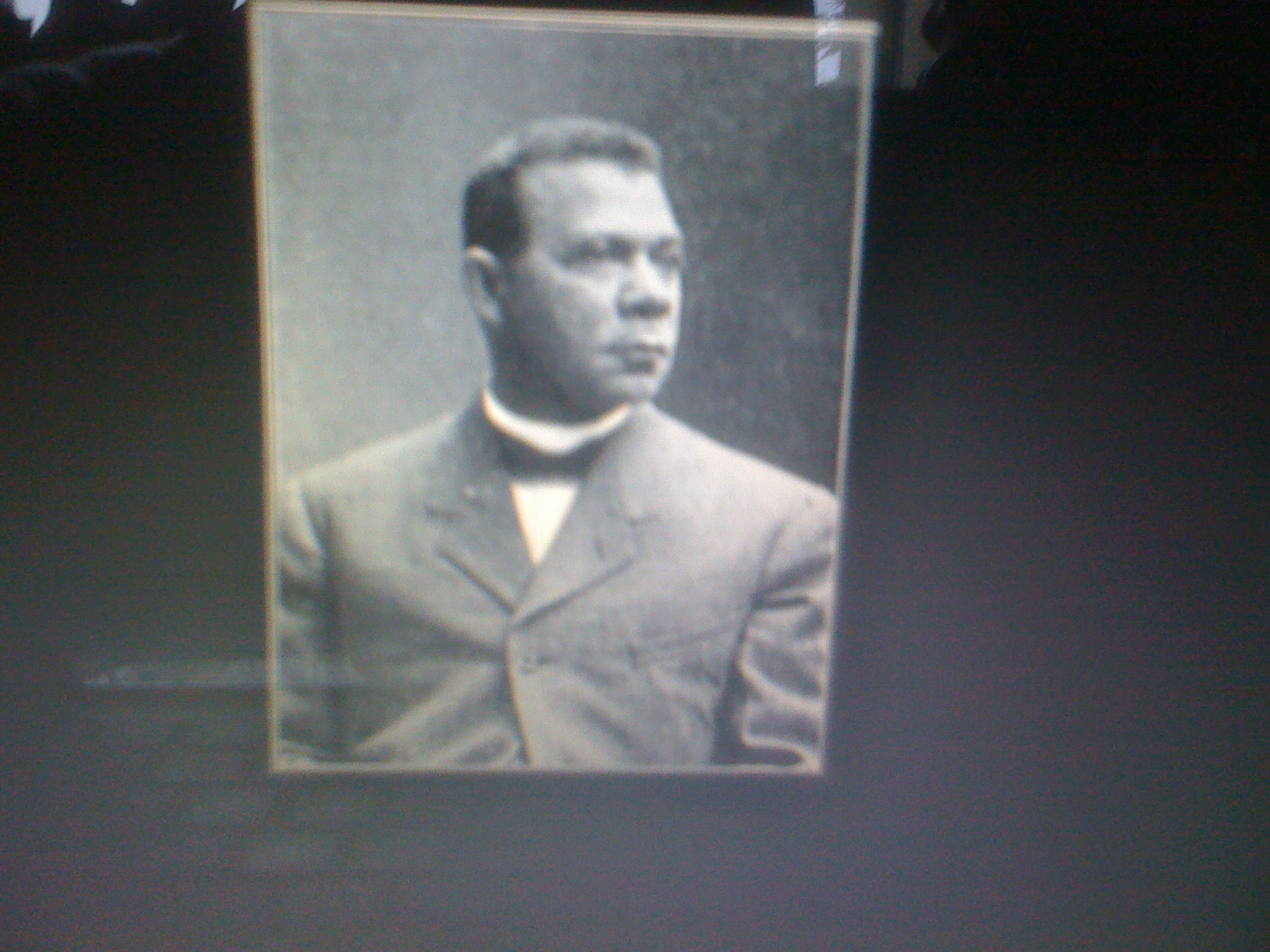 african american history booker t washington and Booker t washington born a slave on a virginia farm, washington (1856-1915) rose to become one of the most influential african-american intellectuals of the late 19th century in 1881, he founded the tuskegee institute, a black school in alabama devoted to training teachers.