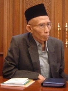biografi Prof. Dr. K.H.M.A. Sahal Mahfudz