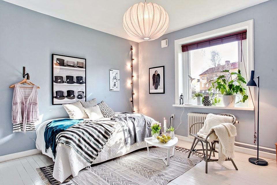 Decoraci n f cil un peque o apartamento con paredes en - Color azul verdoso para paredes ...