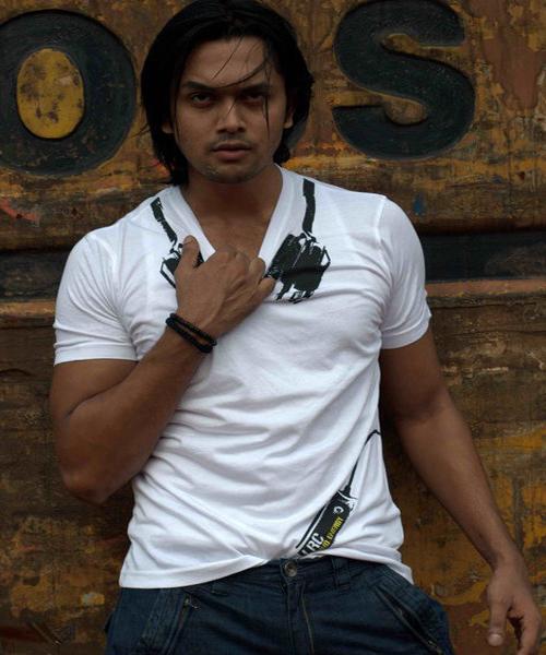 Bangladeshi Actor Arefin Shuvo Picture and News