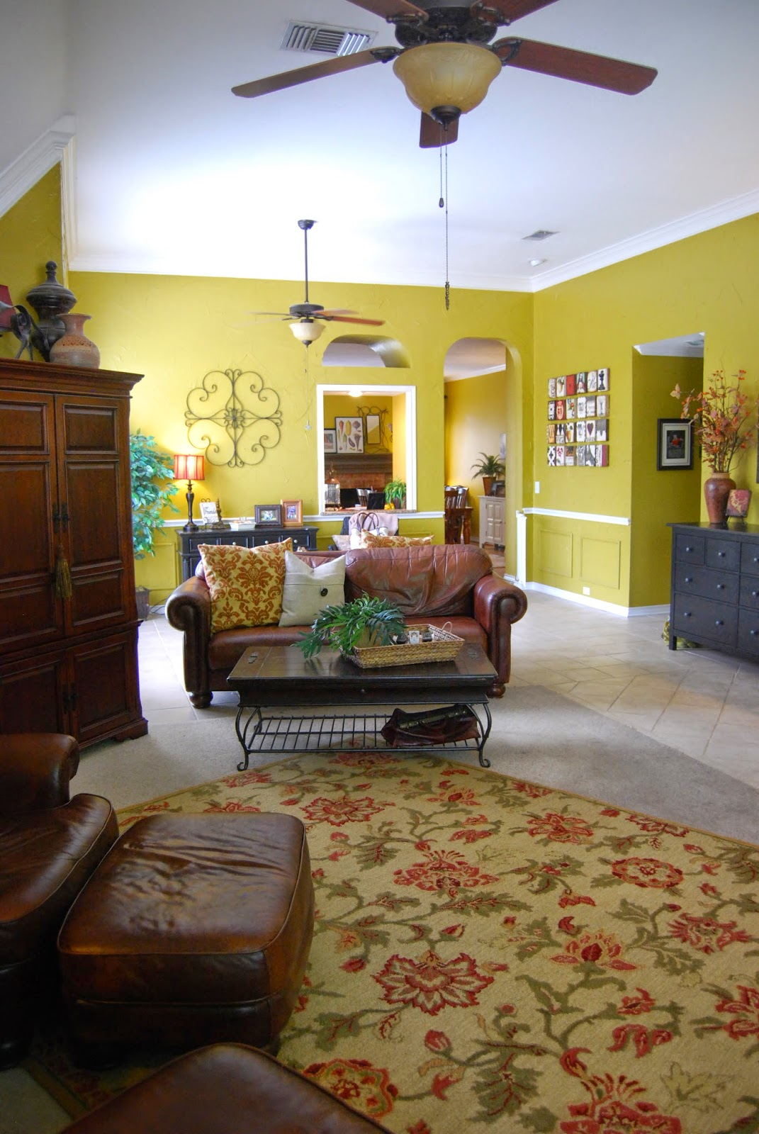 momfessionals come on in my family room. Black Bedroom Furniture Sets. Home Design Ideas