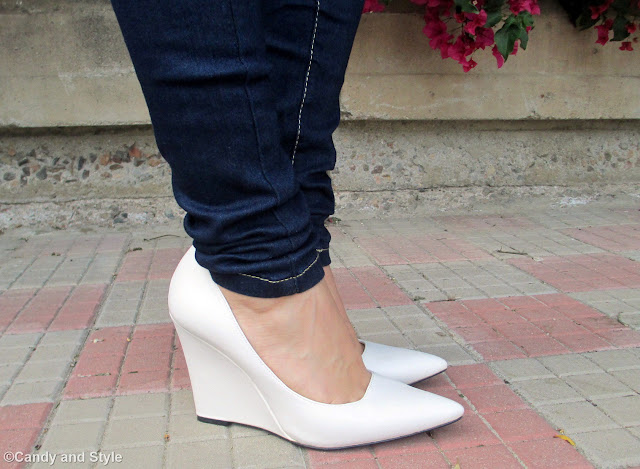 White Wedges