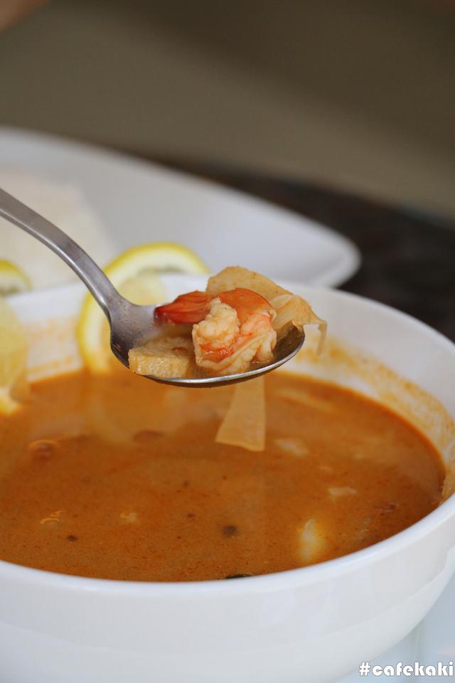 Tom Yum Seafood Soup (RM13.90)