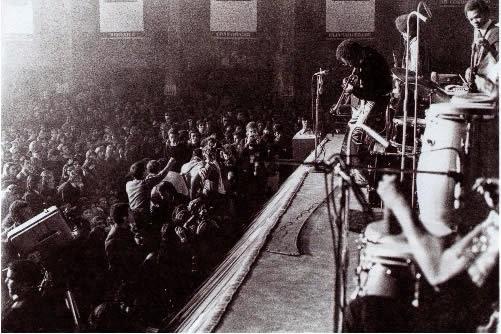 Charlie Haden no Festival de Jazz de Cascais em 1971 e com Carlos Paredes em 1990
