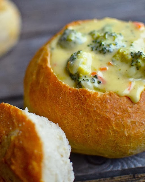 Yammie's Noshery: Quick and Easy Bread Bowls