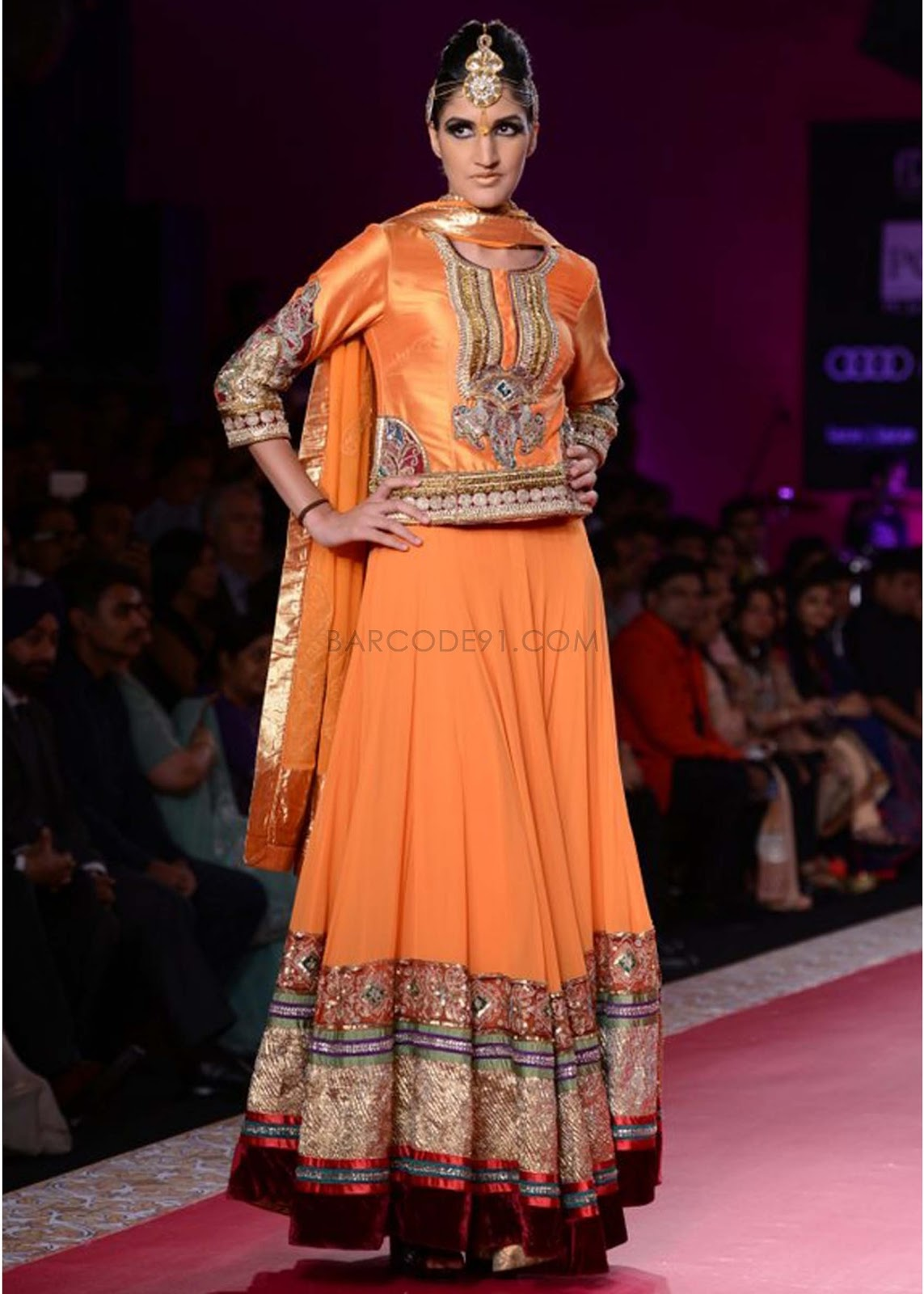 Collection at pcj delhi couture week by rina dhaka