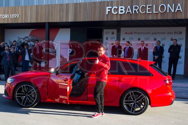 Jugadores del FC Barcelona recibieron autos de Audi