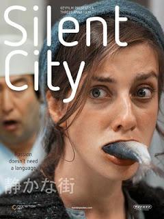 Hallgatag város online (2012)
