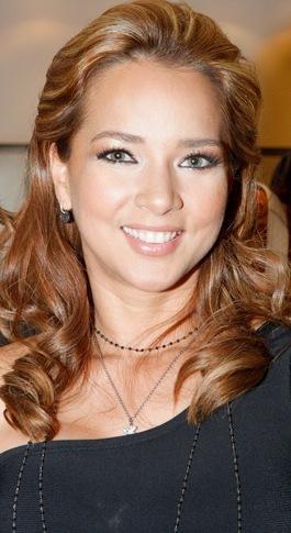 fotos de adamari lópez toro actriz puertoriqueña adamari lópez con ...
