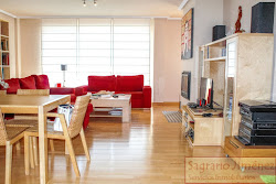 Chalet en venta en La Zapateira, cinco dormitorios, jardín, terraza. 320.000€
