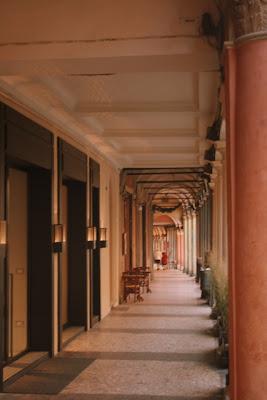 Bologna, Bologna portici, Bologna shopping, Bologna arcades, streets of Bologna