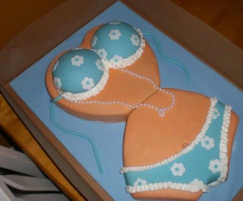 Bánh sinh nhật hình bikini